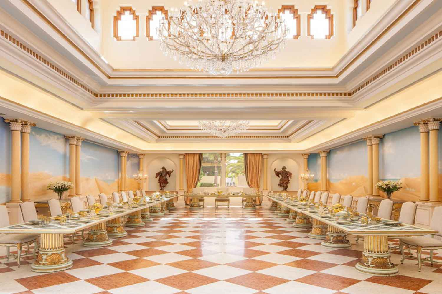 <b>Morocco</b><br/><i>24 Bedrooms, 161,460 sq. ft.</i><br/>Luxurious Moorish-style palace