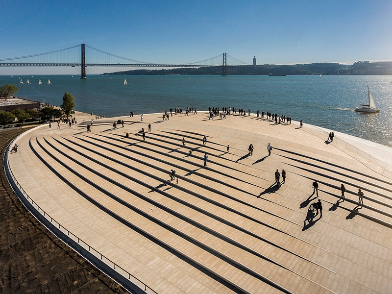 The roof of the MAAT has become a popular spot to sit and watch the sun setting over the Tagus River. Photograph: ©Fernando Guerra. Courtesy of the EDP Foundation.