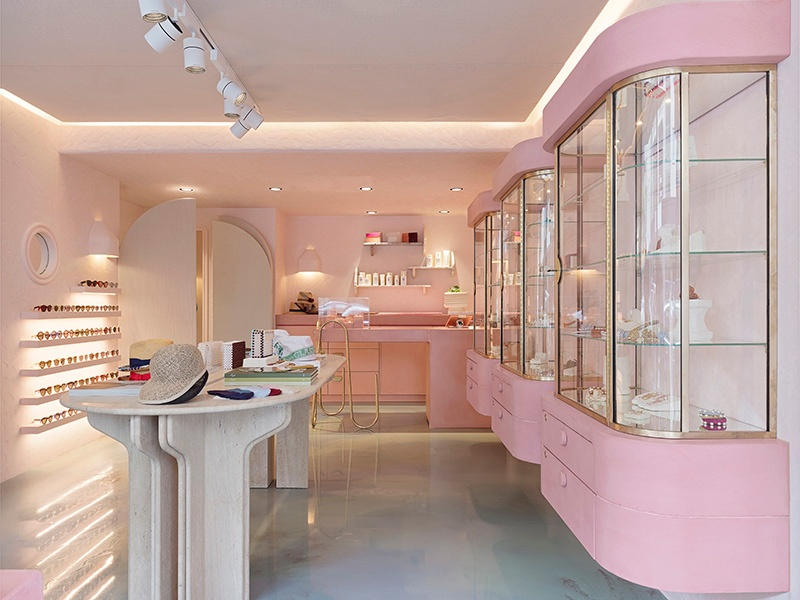 Designer Lucy Folk worked with Tamsin Johnson to create the bubblegum-pink interior of PLAYA in Sydney.