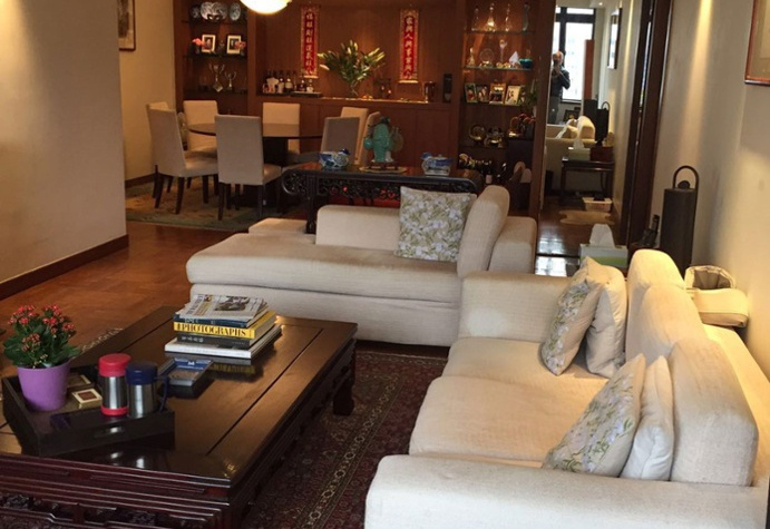 <b>3 Bedrooms, 1,646 sq. ft.</b><br/>High-rise apartment with central&nbsp;business district (CBD) views