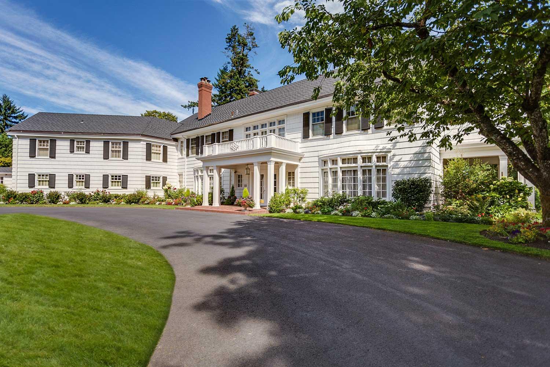 <b>Portland, Oregon</b><br/><i>5 Bedrooms, 9,829 sq. ft.</i><br/>Five-bedroom home on 2 acres