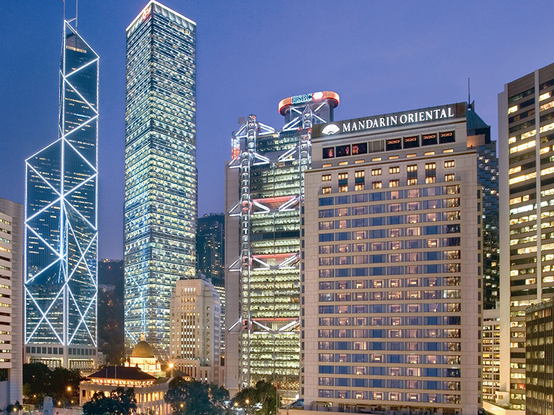 Mandarin Oriental, Hong Kong has 10 on-site options for food and drink; its three Michelin-starred restaurants include the two-Michelin-starred Pierre, by Pierre Gagnaire.