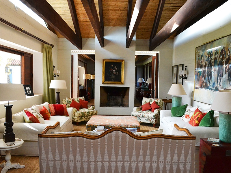 Featuring textured bamboo ceilings, reinforced by hardwood beams, the Macaire property was designed by architecture firm Elton Leniz. Photograph courtesy Bórquez & Asociados