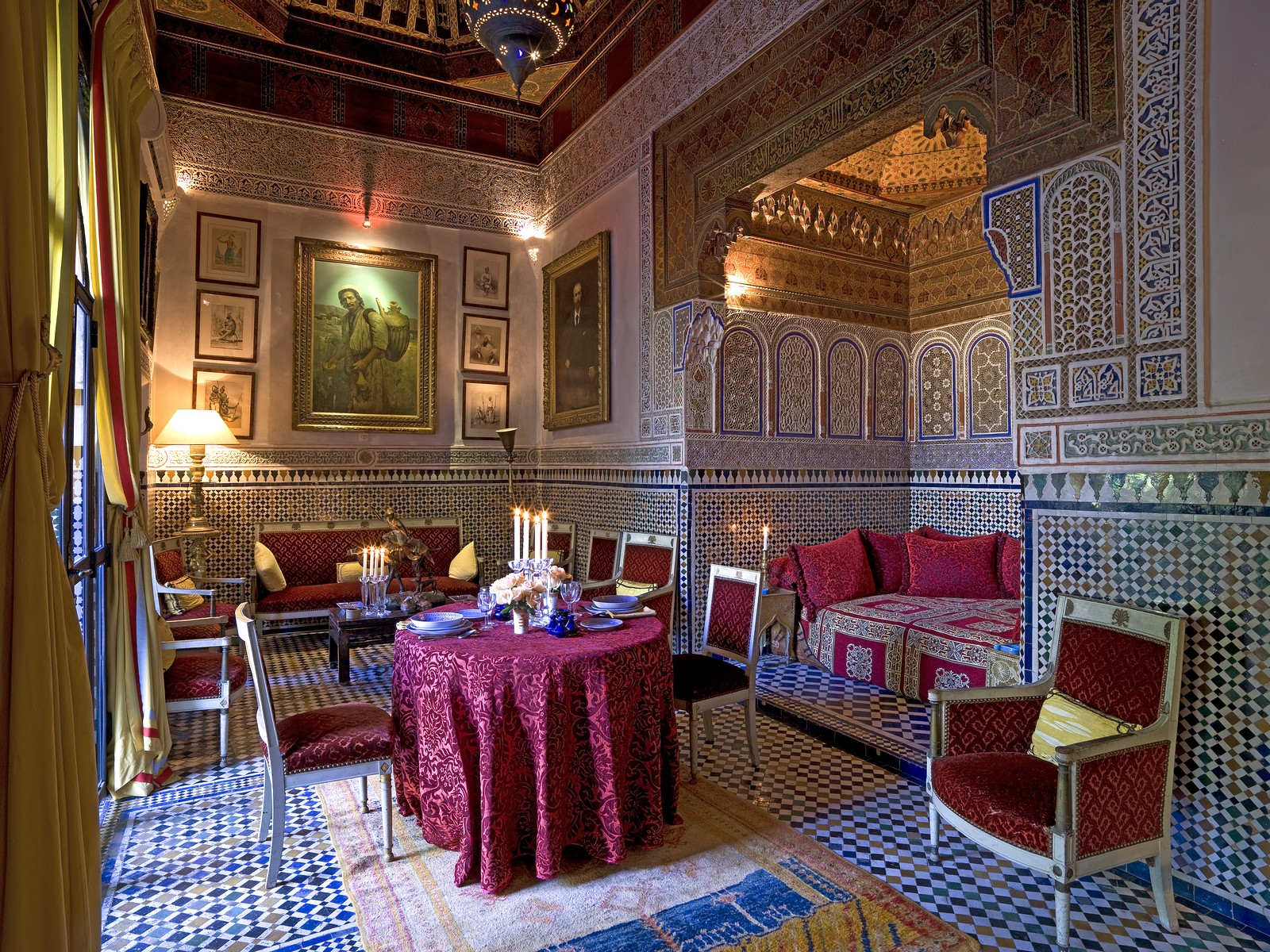 Beautiful hand-laid <em>zelige</em> mosaic tiles adorn the grand reception rooms and outdoor entertaining spaces.