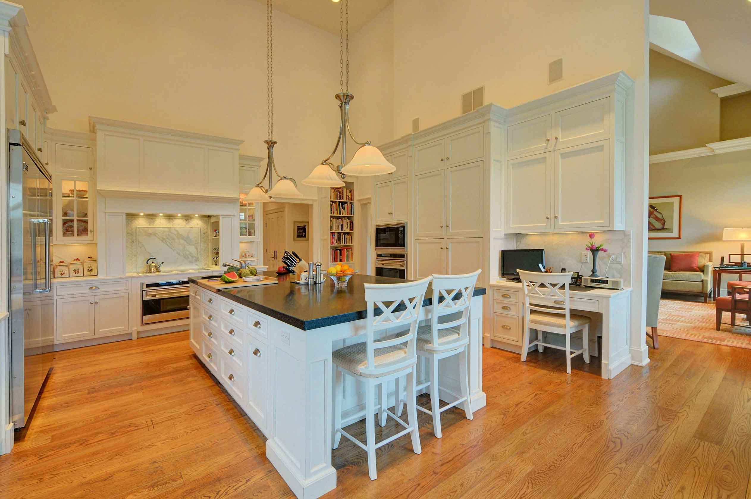 This home's elegant country kitchen, with its open layout, is ideal for catering large events.