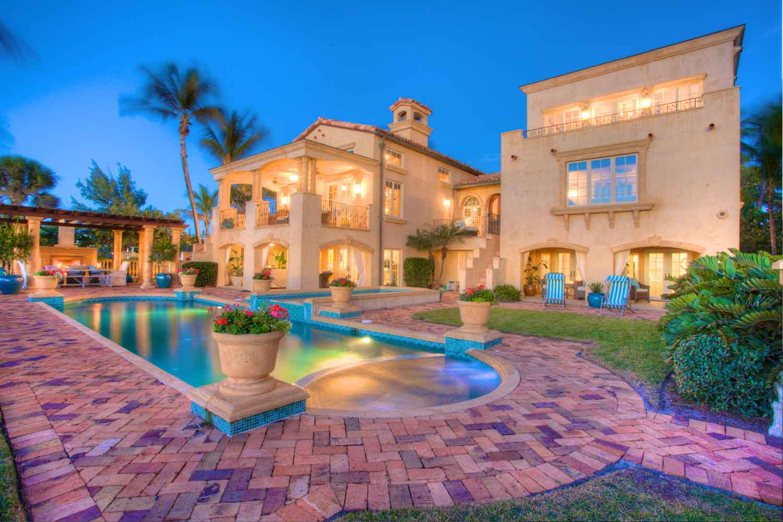 <b>Boca Grande, Florida</b><br/><i>4 Bedrooms, 4,656 sq. ft.</i><br/>Mediterranean style beachfront retreat