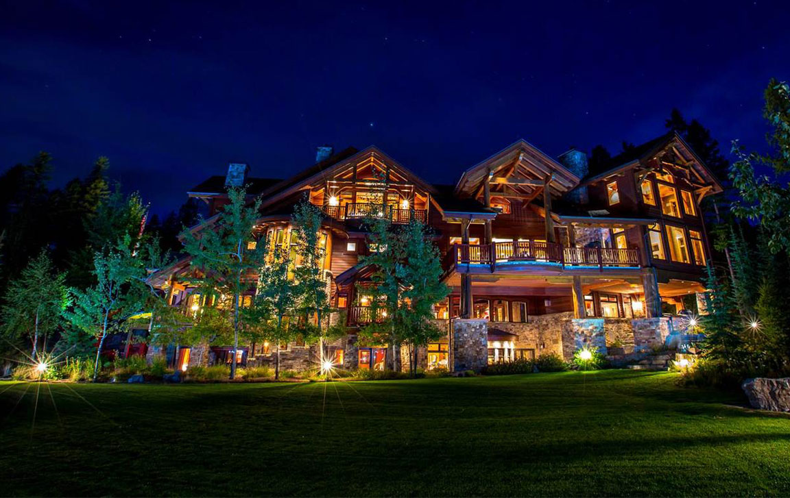 Located in one of Big Sky Country's top ski resorts, this luxurious lodge-style home has enough world-class recreational options to entertain family and friends year round.