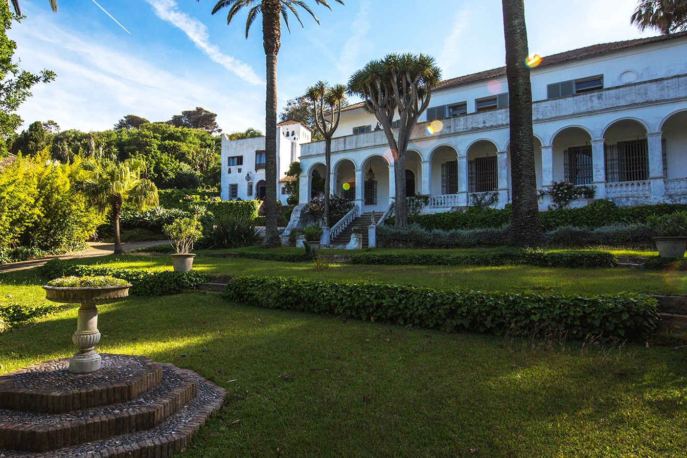 This white colonial palace in Tangier was the place of inspiration for Chilean hyperrealist painter Claudio Bravo.