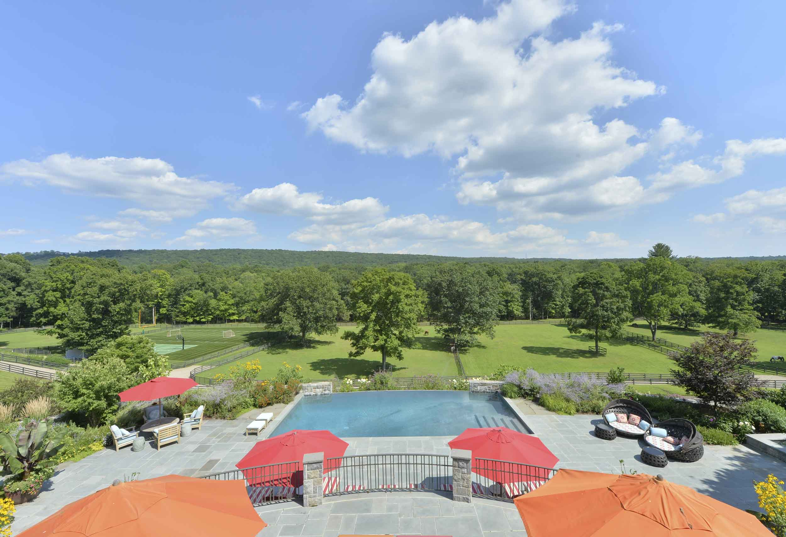 River Oaks Farm is appointed with a full array of sporting options, including soccer and basketball