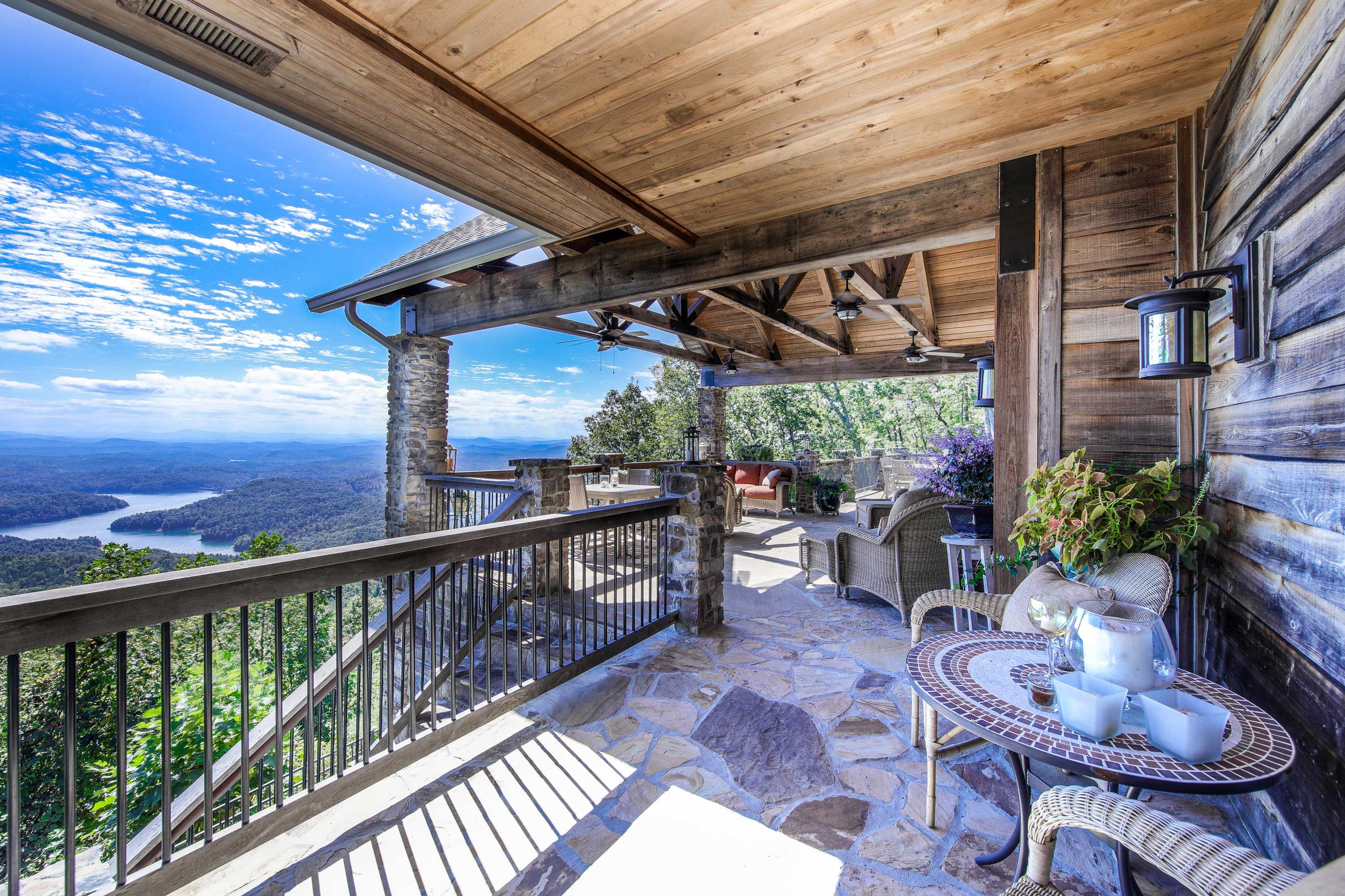 This mountain retreat commands 137 pristine acres with jaw-dropping views of Lake Hiwassee and the Appalachians.