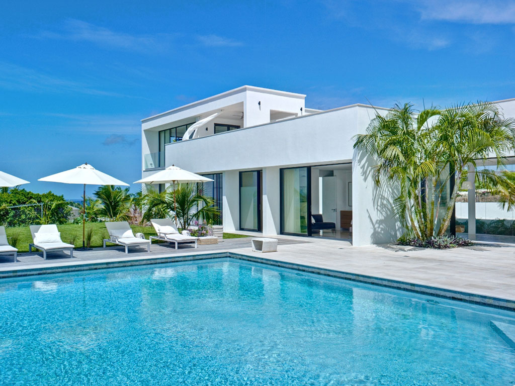 <b>4 Bedrooms, 4,330 sq. ft.</b><br/>Stunning Caribbean retreat with ocean views