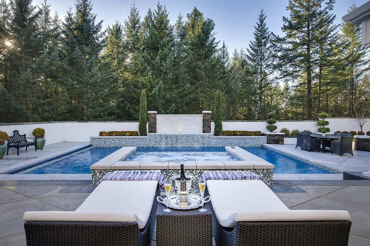 Masterfully designed by a classical Feng Shui Practitioner, the House of 8's is a resort-inspired sanctuary, just 30 minutes from downtown Portland, Oregon.