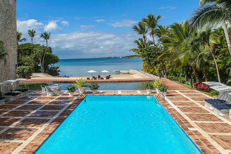 At the intersection of the Chavón River and the Caribbean Sea, the Dominican beach resort of Casa de Campo is especially attractive to boating and golfing enthusiasts.