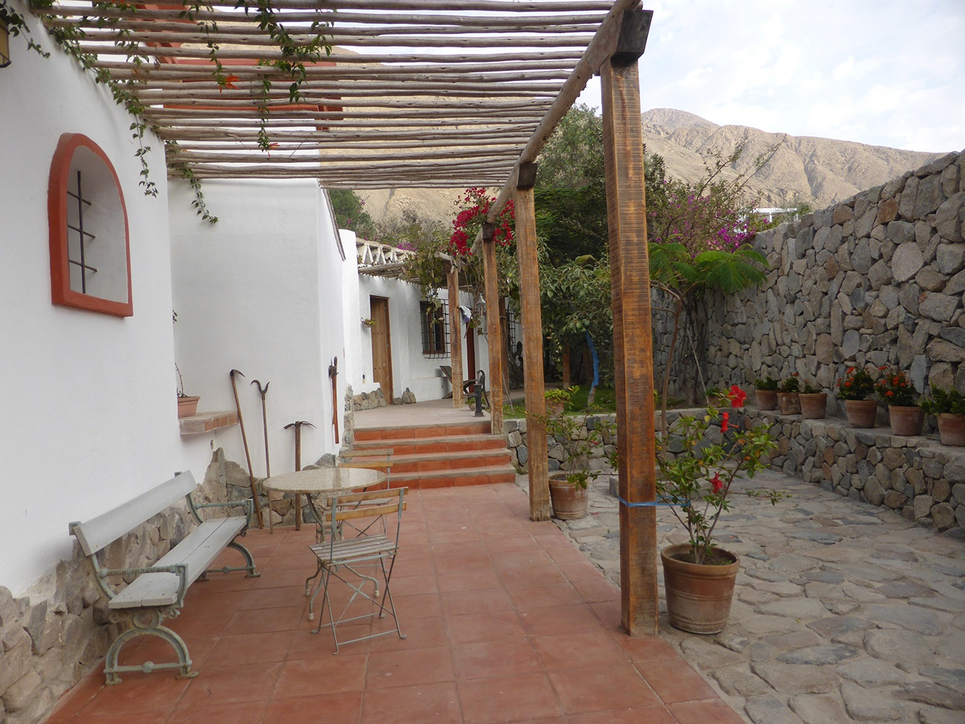 The architecture of the Spanish colonial period can be seen in this charming hillside cottage in Lunahuaná, Peru.