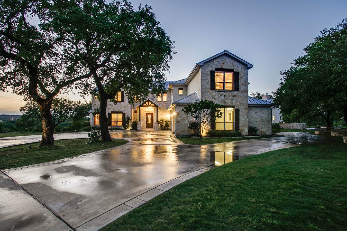 <b>Spring Branch, Texas</b><br/><i>4 Bedrooms, 5,307 sq. ft.</i><br/>Canyon Lake estate with Guadalupe River frontage