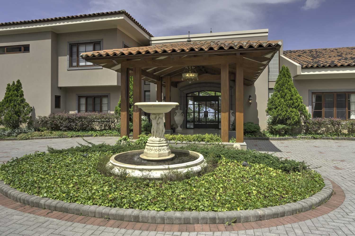 <b>San Jose, Costa Rica</b><br/><i>11 Bedrooms, 15,911 sq. ft.</i><br/>Palatial private estate with breathtaking skyline views