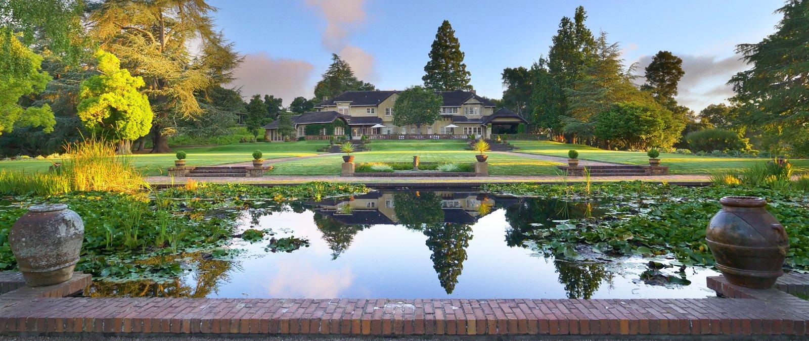 Pond w Big House