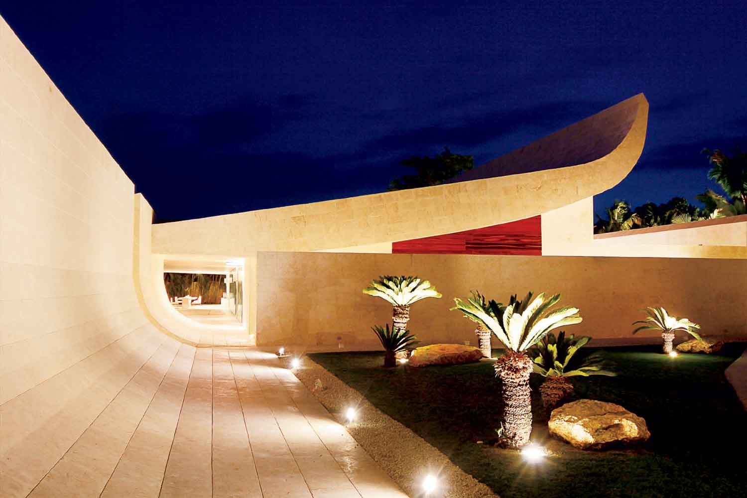 <b>Casa de Campo, Dominican Republic</b><br/><i>6 Bedrooms, 18,000 sq. ft.</i><br/>The Wave House at Punta Aguila