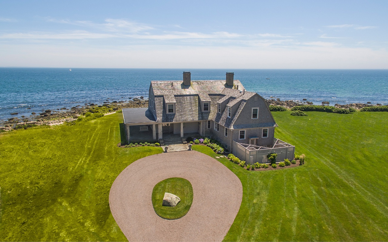 Oceanwide is a century-old coastal retreat with interior design by celebrated decorator Albert Hadley.