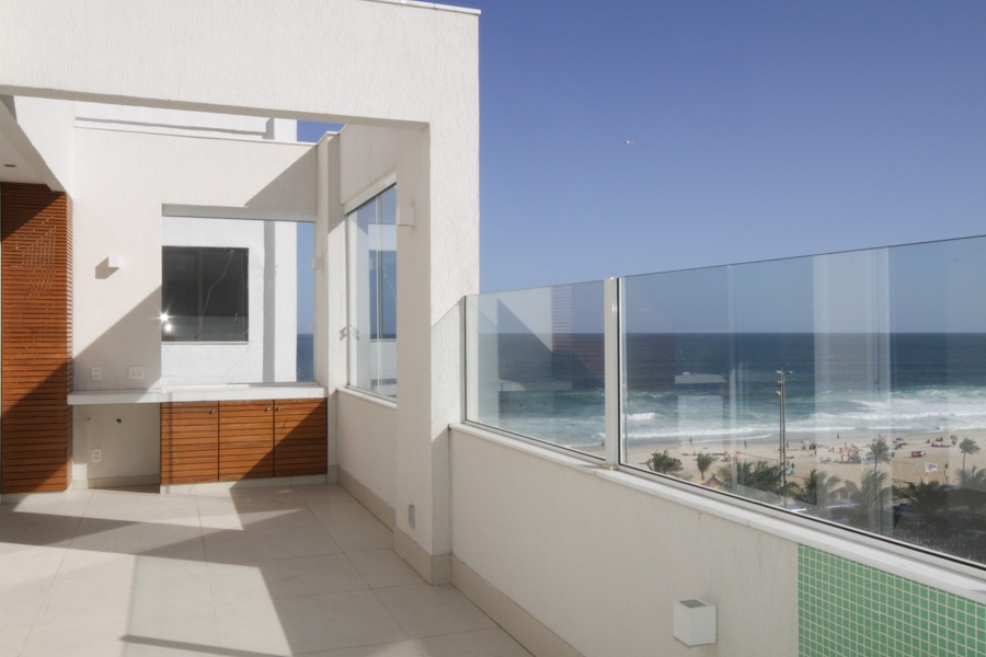 <b>3 Bedrooms, 2,185 sq. ft.</b><br/>Apartment with magnificent ocean views