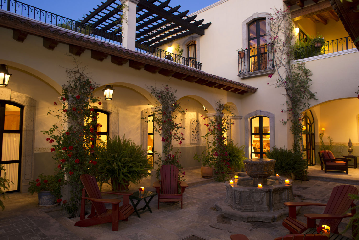 In San Miguel de Allende, this elegant home in one of the city's preeminent neighborhoods blends Spanish Colonial architecture with the finest contemporary appointments.