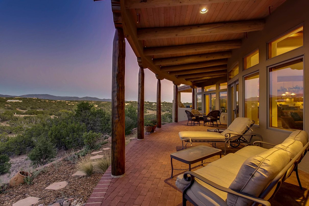 The home of a Feng Shui master, this classic Pueblo-style residence in the high desert of Santa Fe is a convergence of the Far East and the American West.
