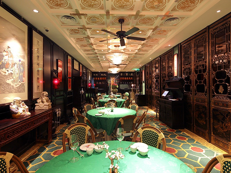 Yubaxian, furnished with replicas of antique furniture from Beijing's Imperial Palace, recreates dishes from the menu of Hong Kong's famous Luk Yu Tea House.