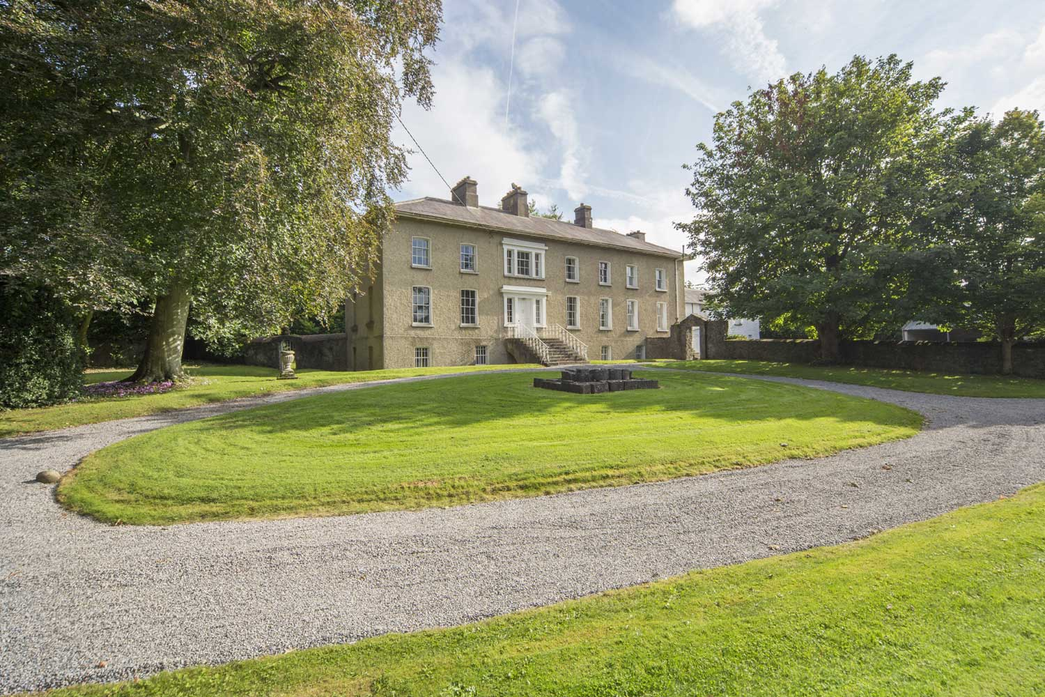 <b>Ireland</b><br/><i>6 Bedrooms, 5,145 sq. ft.</i><br/>1720s Georgian-style Country House