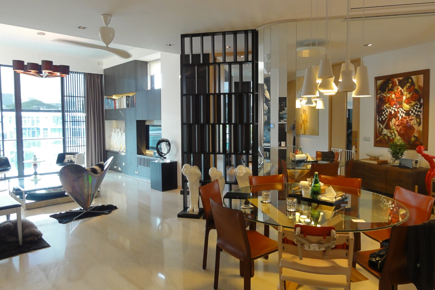 <b>Singapore</b><br/><i>4 Bedrooms, 4,004 sq. ft.</i><br/>Penthouse in the heart of Orchard's prime area