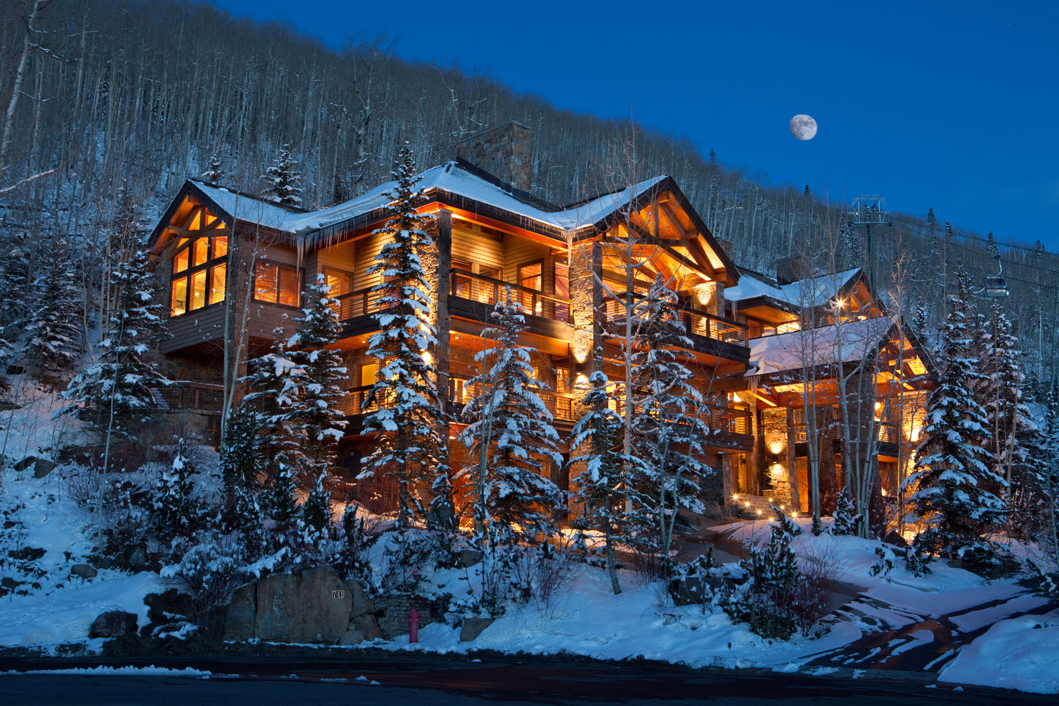 This majestic mountain estate has direct access to the ski trails, the gondola, and all the amenities of the top-ranked U.S. ski resort of Telluride—home to such stars as Tom Cruise, Kevin Costner, and Oprah Winfrey.