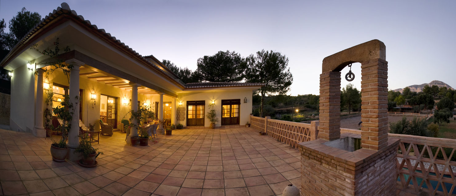 An exceptional villa in Javea, Spain was designed with equestrian pursuits in mind: it offers ample space for horses to train and relax, all in a classic, rustic setting.