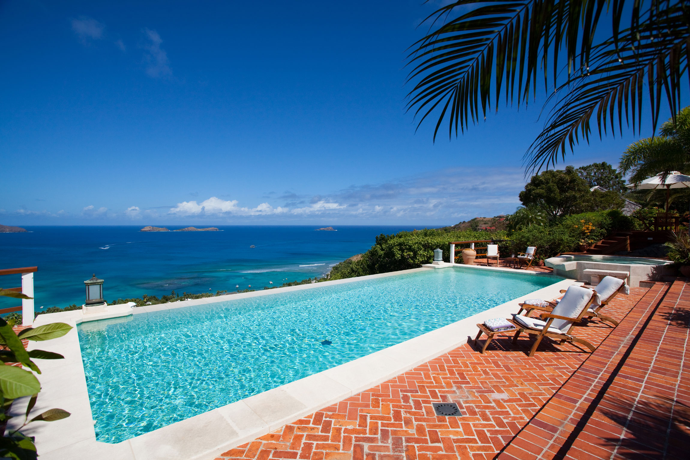This Caribbean jewel is an enclave of unsurpassed privacy in St. Barts. Located in the French West Indies, St. Barts pristine white-sand beaches, gentle seas, French-Caribbean cuisine, and discreet atmosphere make it a top-ranking winter resort destination for the international glitterati.