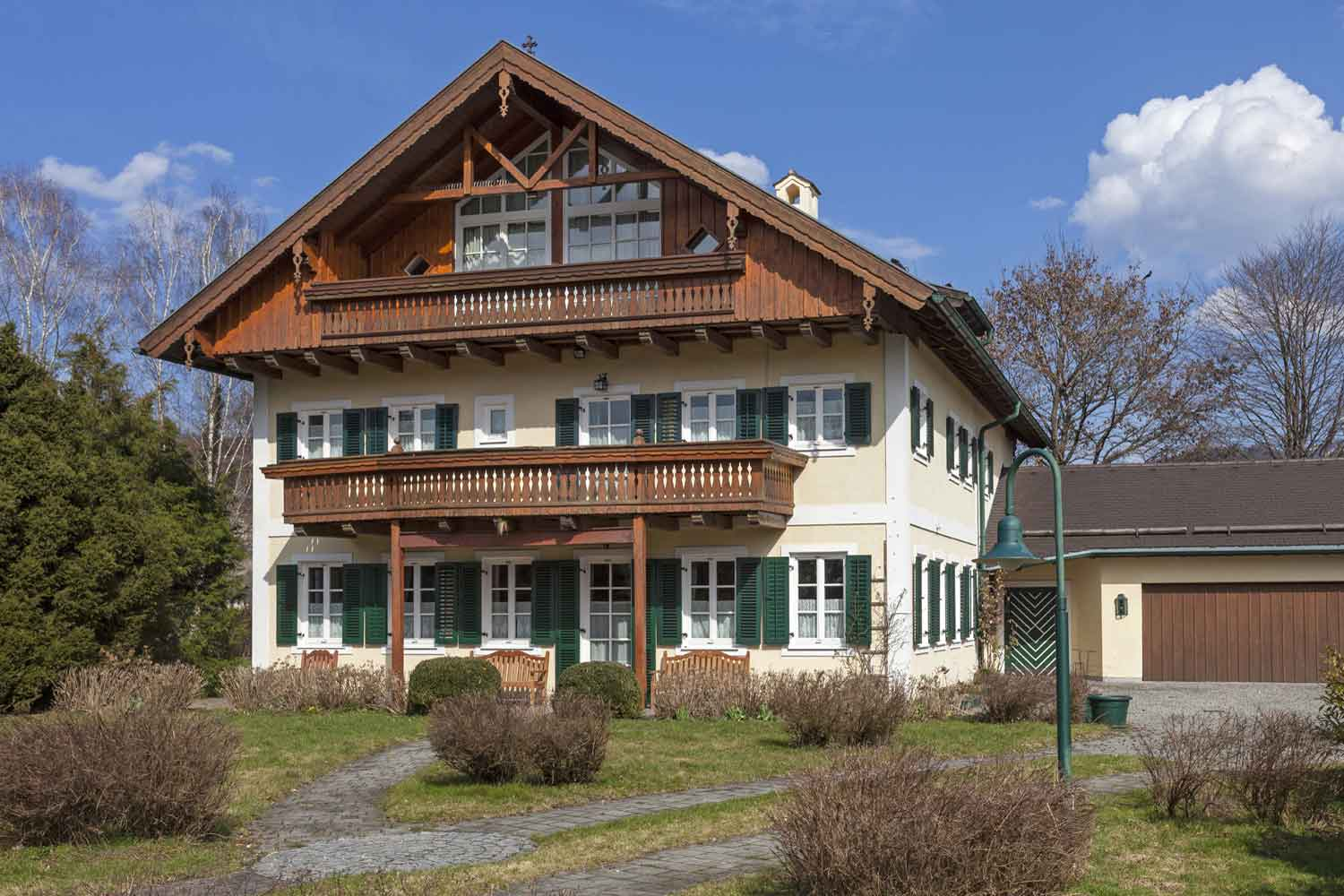 <b>Salzburg, Austria</b><br/><i>7 Bedrooms, 4,840 sq. ft.</i><br/>Seven-bedroom manor adjacent to a nature preserve
