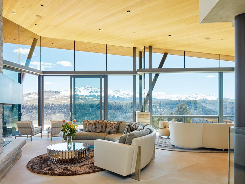 An emphasis on glass within its structure ensures living areas are flooded with light and encased in stunning Telluride vistas.