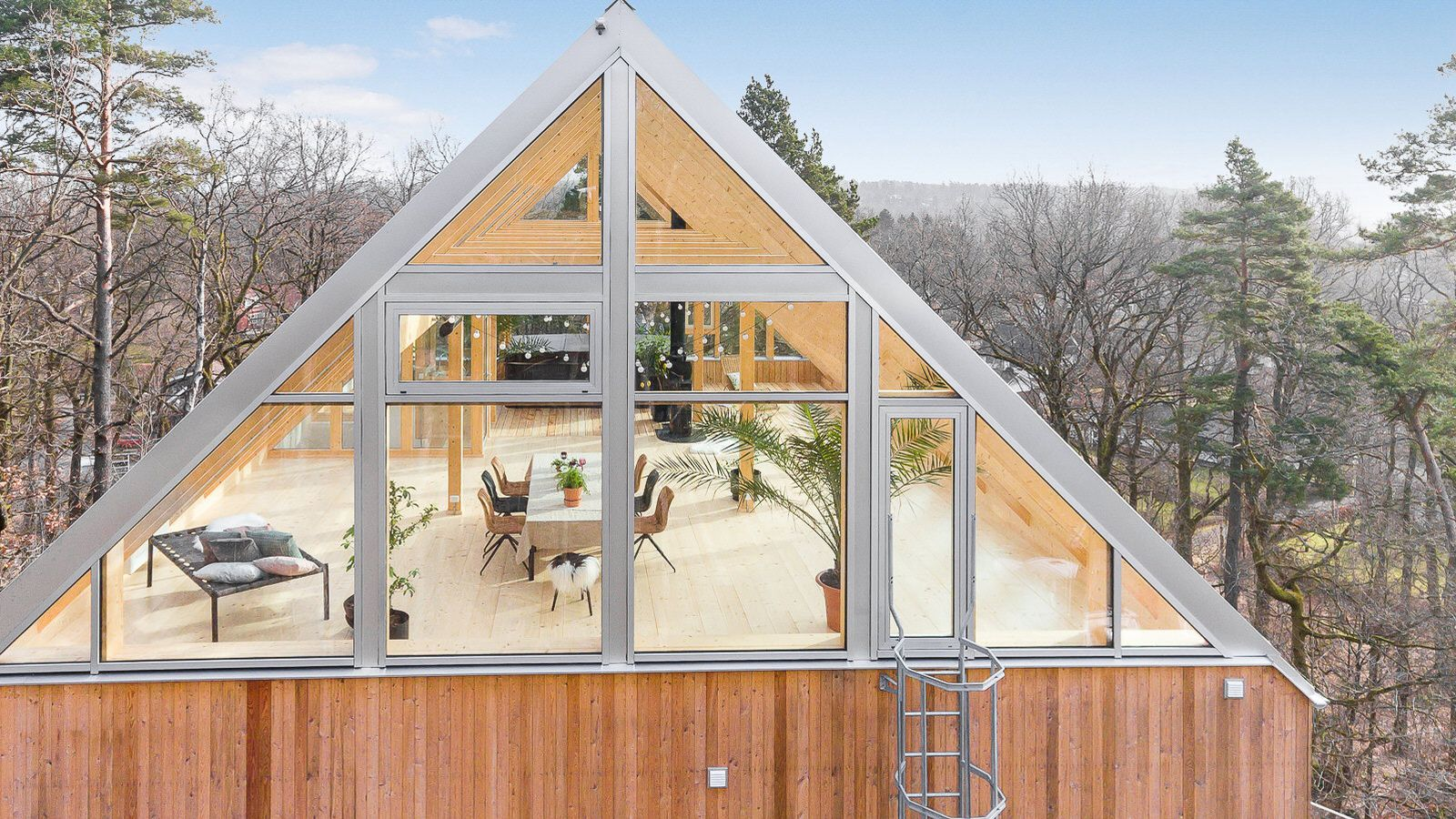 With a name like Villa Heaven what is left to say? This Swedish dream home has a glass roof with built-in third-floor living area offering 360-degree views of the surrounding wilderness and overhead views of the sky.