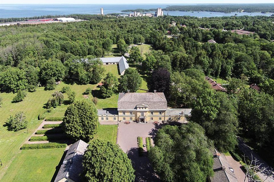This 588-acre estate with forests of deciduous trees, orchids, and limestone caves is located near the largest lake in Sweden.