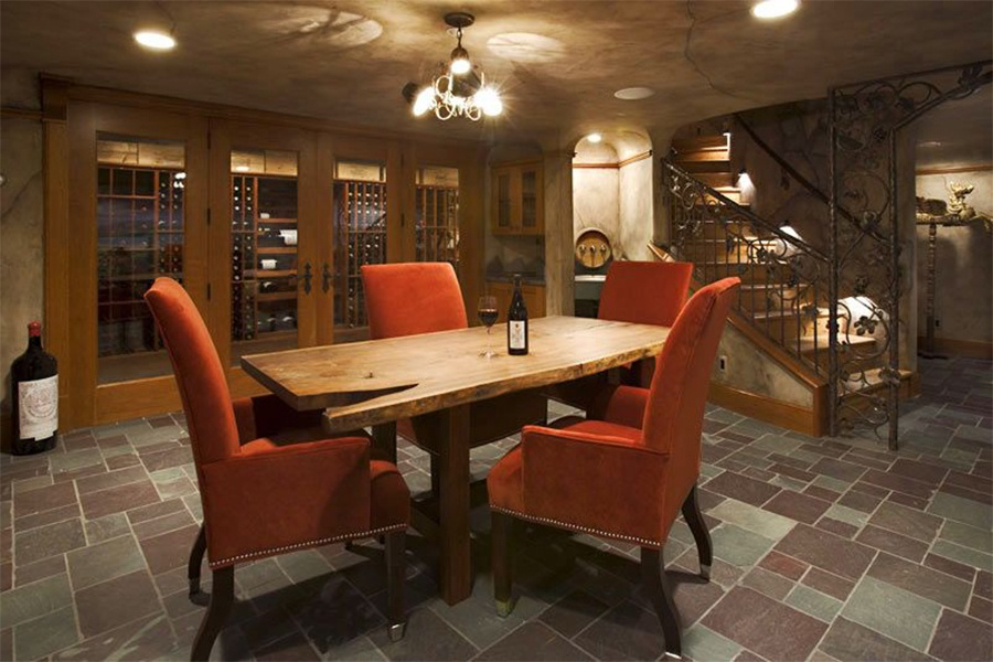 This estate on the western shore of Lake Tahoe has a host of luxurious amenities; among them is a beautiful 2,500-bottle subterranean wine cellar with its own tasting room and display area.