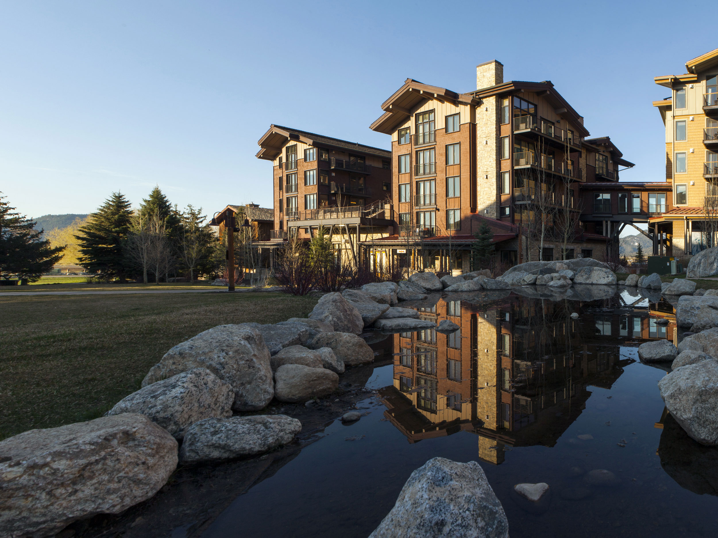 Ownership privileges include ski valet, concierge, and housekeeping services, a luxury spa and fine dining.