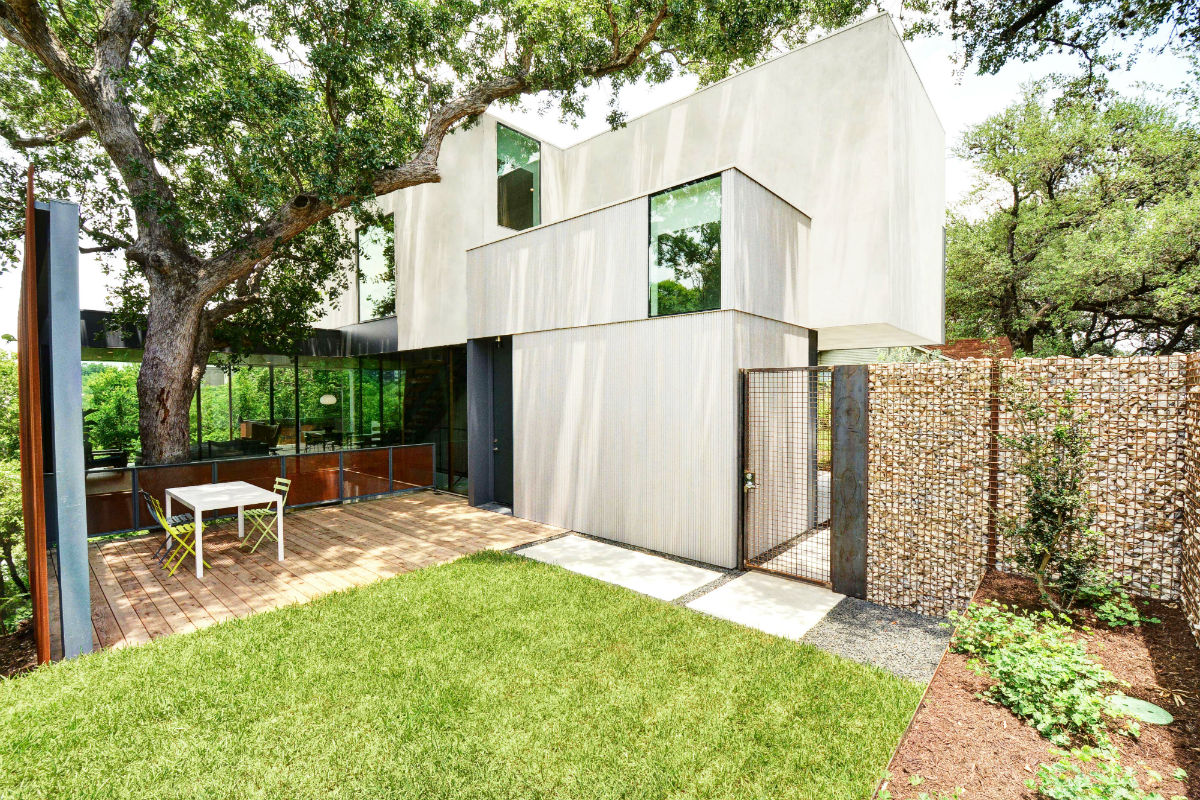 This tree house-inspired home in Austin won the 2018 AIA National Housing Award and the AIA Austin Design Awards.