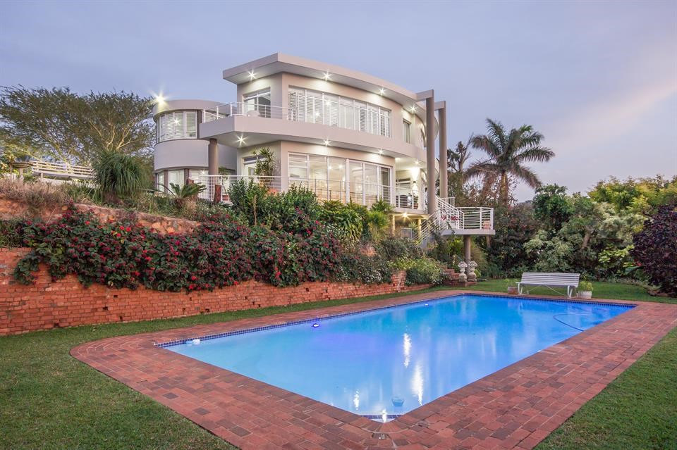 <b>3 Bedrooms, 6,748 sq. ft.</b><br/>Beautifully maintained Art-Deco mansion