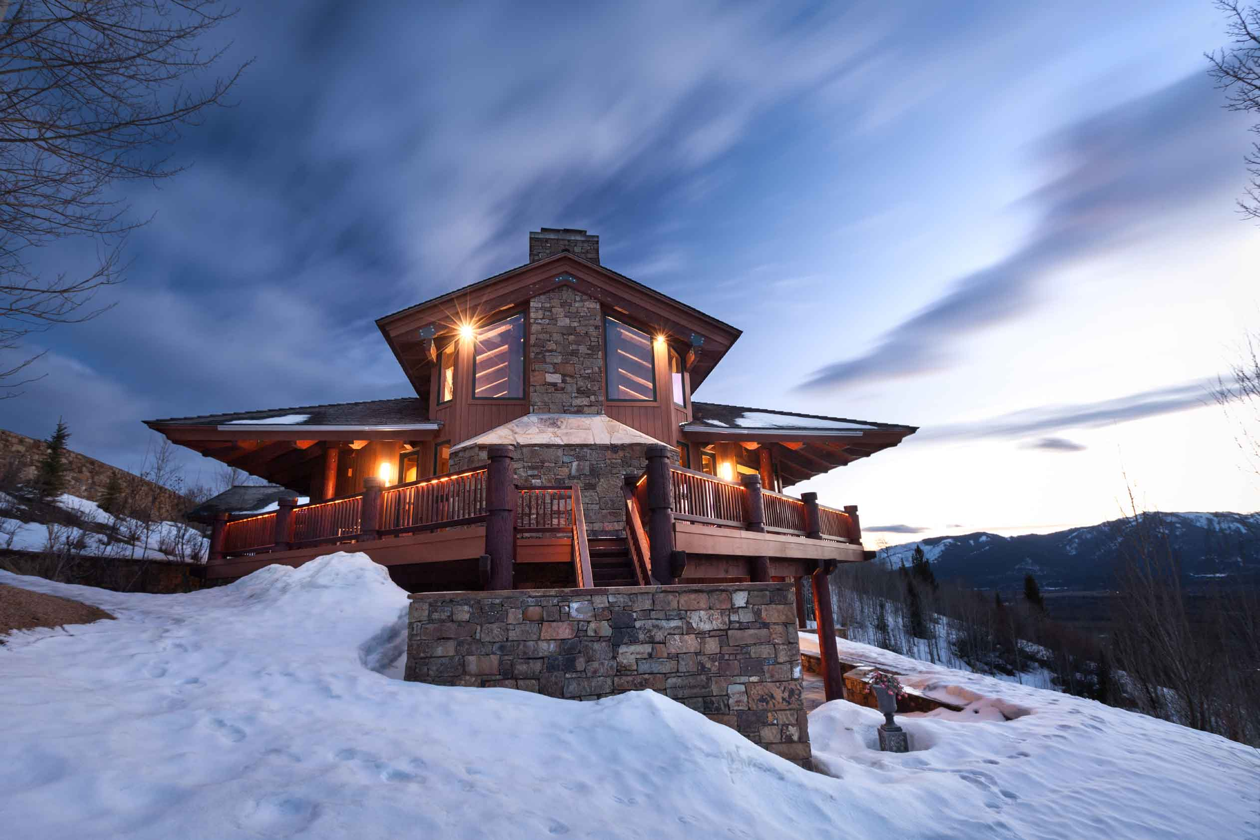 On 11 private acres near Gros Ventre butte, this contemporary marvel is set against the backdrop of Grand Teton National Park.