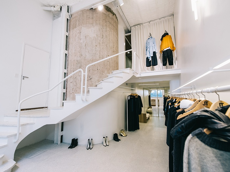 Part of the city's independent fashion boom, Jessica Trosman's second store is a paean to good taste. Located on PosadasStreet (home toone of the city's finest hotels, as well as an apartment once lived in by former First Lady Eva Peron), the shop features voluminous cinched-waist pants and androgynous outerwear.