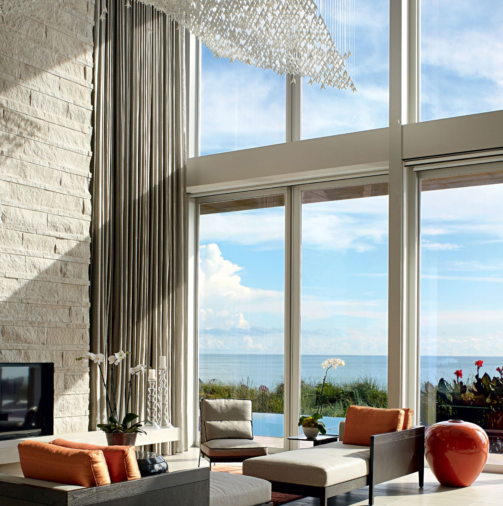 This flexibility of this home, and the extraordinary ocean panorama, makes this a very special spot.