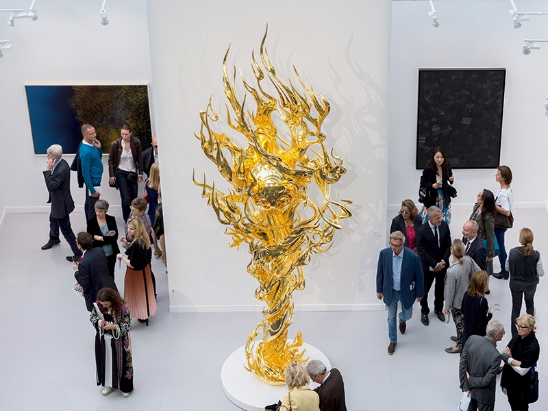 In recent years, FIAC has expanded beyond the Grand Palais, offering FIAC Hors Les Murs: indoor and outdoor exhibitions at the Jardin des Tuileries, Jardin des Plantes, Place Vendôme, and along the banks of the Seine.