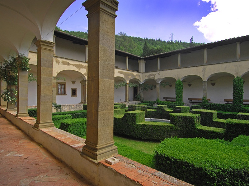 With 40 rooms, the estate includes an internal tiered cloister, frescoed ceilings, an ancient refectory, and a dovecote.