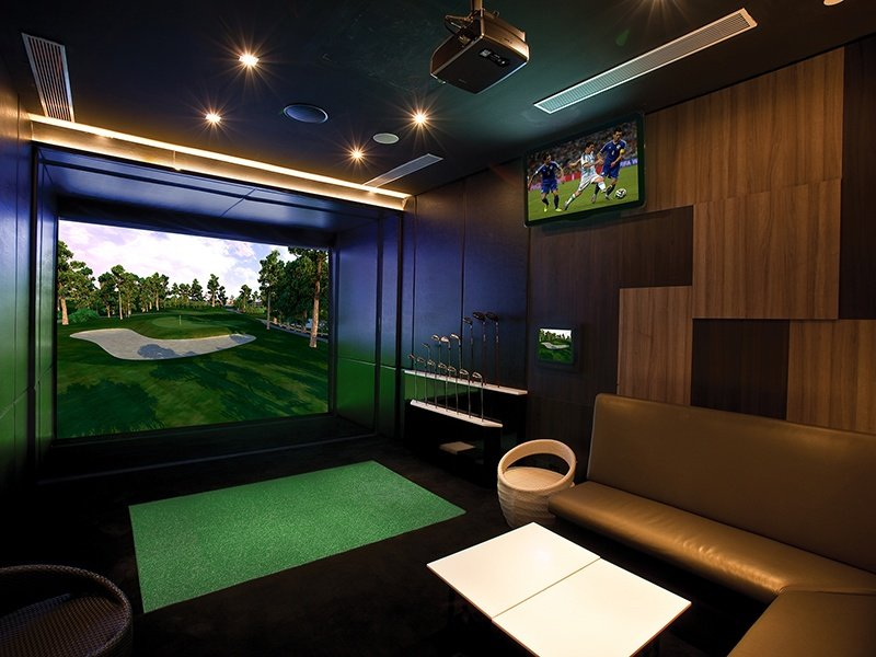 Full Swing Golf's simulators feature realistic and precise ball flight, and cover every last detail of 93 championship courses.