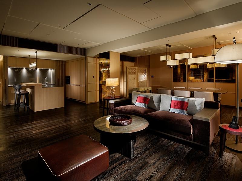 The interiors at the Four Seasons Hotel Residences Kyoto incorporate traditional Japanese elements such as <i>shoji</i> panels, polished wood, Kyoto-style <i>fusuma</i> screens, and <i>urushi</i> lacquerware, alongside modern amenities. Photograph: Japan Capital Realty, Inc.