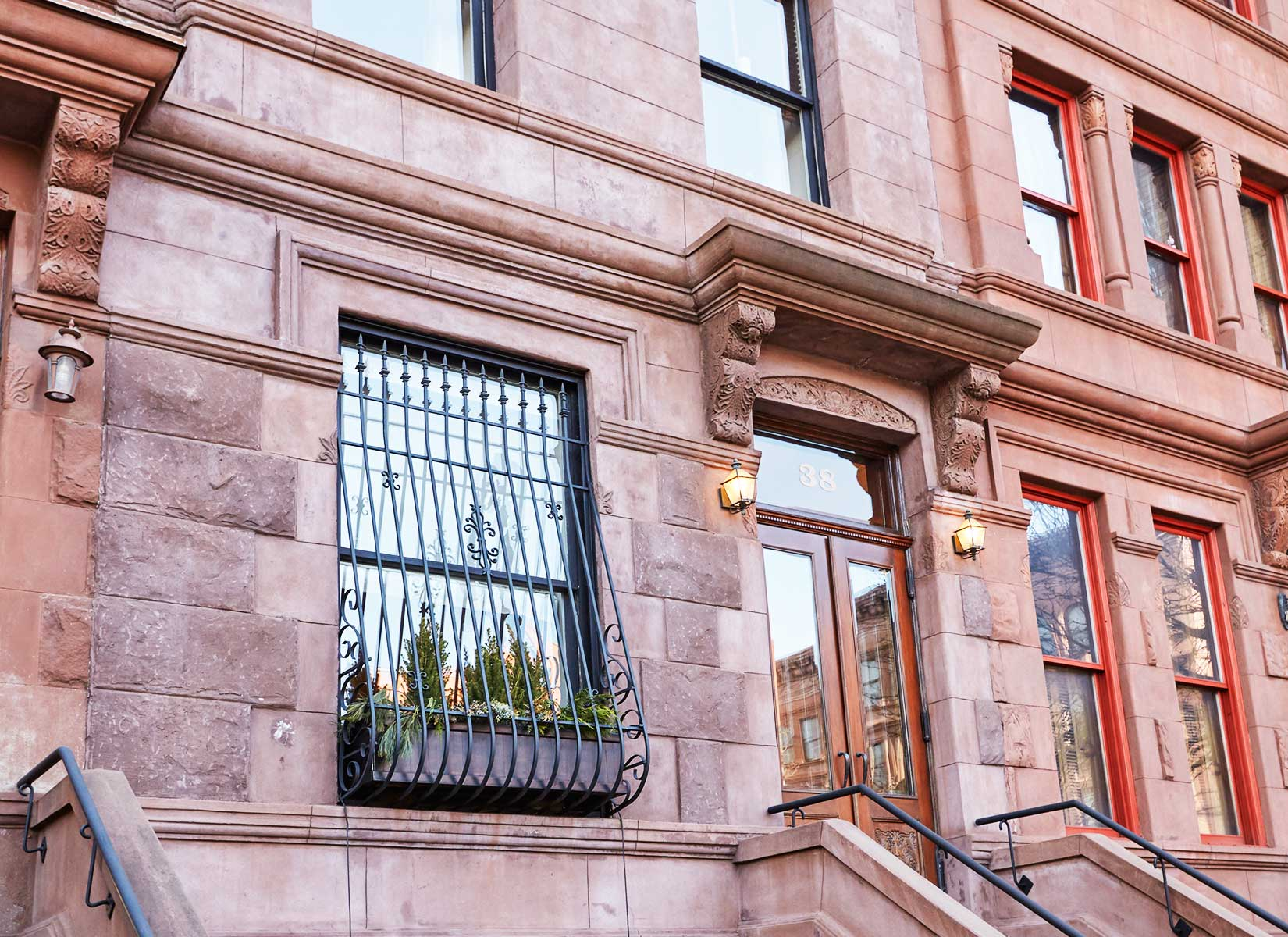 This single-family townhouse has a prime central location in Harlem. Originally built in 1909, the residence has been renovated to an exacting standard. Exceptional care was taken to preserve the historic character of this beautiful home while incorporating every modern luxury.