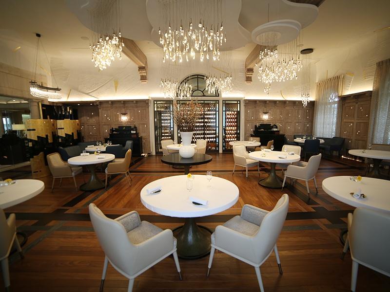 La Table de Plaisance in Saint-Émilion has two Michelin stars and is known for the creative cuisine of chef Ronan Kervarrec.