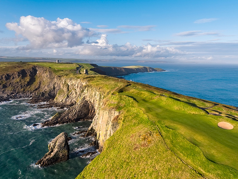 Located on a rugged headland that stretches into the Atlantic Ocean, Old Head Golf Links in Kinsale is surrounded by dramatic cliffs. Luxury member accommodations and dining options complement the most stunning of settings.